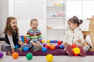Raidos terapeutė: kas svarbiausia auklėjime iki 3 ir iki 7 metų